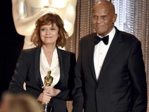 Susan Saraondon Presents Hersholt to Harry Belafonte
