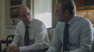Stamper(Michael Kelly) and Underwood (Kevin Spacey)