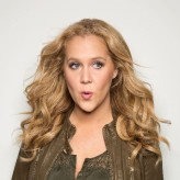 Interview: Amy Schumer talks about having a healthy body image, criticizing Glamour and making people happy
