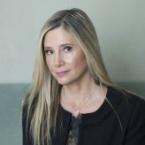 Mira Sorvino talks #MeToo, #TimesUp and 'StartUp'