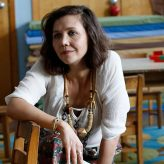 Netflix acquires Maggie Gyllenhaal's 'The Lost Daughter' ahead of Venice Film Festival premiere