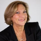 Lesli Linka Glatter elected second woman president in history of Directors Guild of America