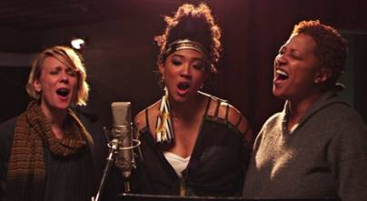 20 FEET FROM STARDOM – Review by MaryAnn Johanson