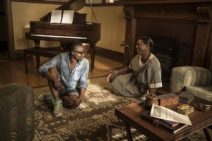 Dee Rees with Queen Latifah on Bessie set