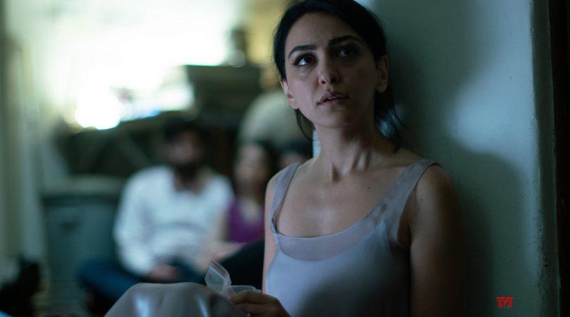 HOTEL MUMBAI – Review by Roxana Hadadi